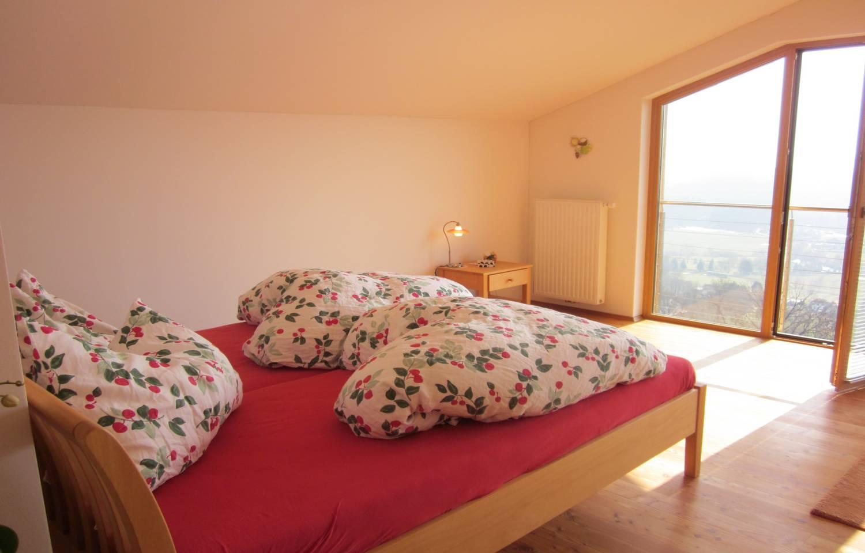 Urlaubsbauernhof Wabnig Schlafzimmer Ausblick